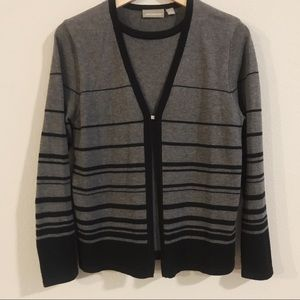 CRAFT AND BARROW Cardigan with Blouse